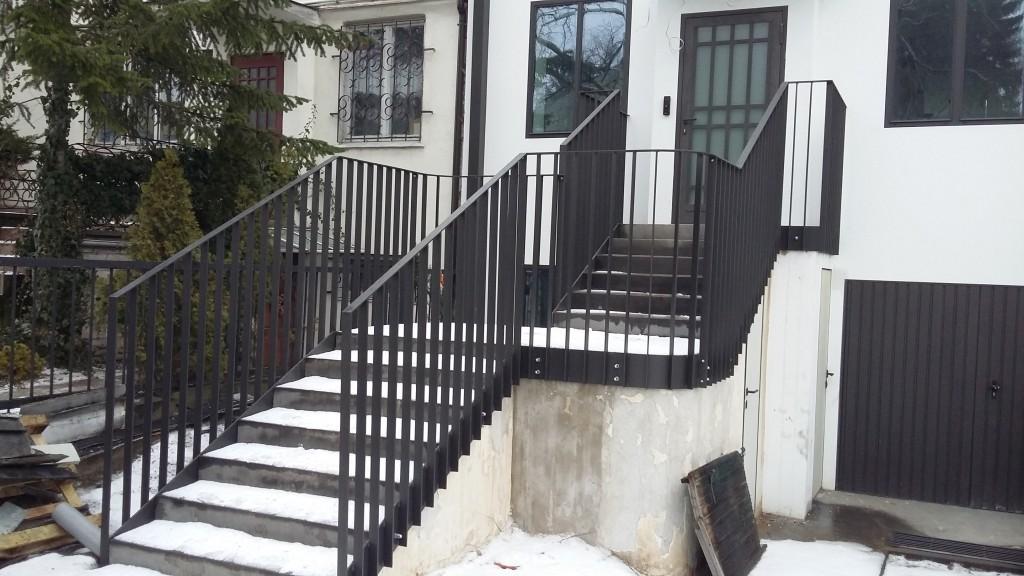 Ogrodzenie wraz z bramą oraz balustrada